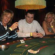 NLD/Uitgeest/20060118 - Uitreiking populariteitsprijs Noord Holland 2005, jamie Westland en meisje van KUS aan de roulette tafel, casino