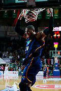 DESCRIZIONE : Varese Lega A 2013-14 Cimberio Varese Acea Virtus Roma<br /> GIOCATORE : Quinton Hosley<br /> CATEGORIA : Schiacciata Sequenza<br /> SQUADRA : Acea Virtus Roma<br /> EVENTO : Campionato Lega A 2013-2014<br /> GARA : Cimberio Varese Acea Virtus Roma<br /> DATA : 12/01/2014<br /> SPORT : Pallacanestro <br /> AUTORE : Agenzia Ciamillo-Castoria/G.Cottini<br /> Galleria : Lega Basket A 2013-2014  <br /> Fotonotizia : Varese Lega A 2013-14 Cimberio Varese Acea Virtus Roma<br /> Predefinita :