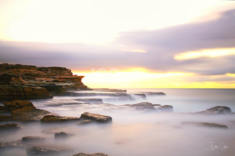 The Mahon rock pool is located to the north of Maroubra Beach at the base of Jack Vanny Reserve. The exposed rock outcrops and cliffs above it make it a spectacular venue.