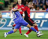 Fotball<br /> Bundesliga Tyskland<br /> Foto: Witters/Digitalsport<br /> NORWAY ONLY<br /> <br /> 01.10.2006<br /> <br /> v.l. Kevin Kuranyi, Sergej Barbarez Leverkusen<br /> <br /> Bundesliga Bayer 04 Leverkusen - FC Schalke 04