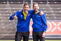 AMSTELVEEN - scheidsrechter Thijs Retra (l ) en Xander Damen voor de competitie hoofdklasse hockeywedstrijd heren, Amsterdam -Rotterdam (2-0) .  COPYRIGHT KOEN SUYK