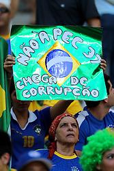 Torcida brasileira na partida entre Brasil e Itália valida pela terceira rodada da Copa das Confederações 2013, no estadio Arena Fonte Nova, em Salvador-BA. FOTO: Jefferson Bernardes/Preview.com