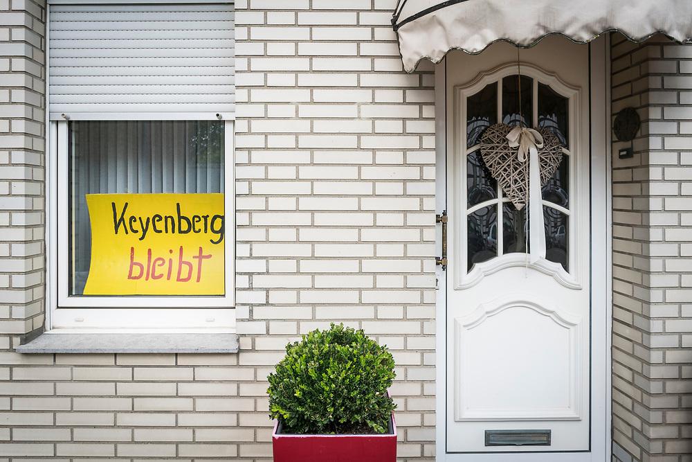 Keyenberg, DEU, 09.08.2020<br /> <br /> Dorfspaziergang in Keyenberg am Rand des Braunkohletagebaus Garzweiler, veranstaltet von der Initiative - Alle Doerfer bleiben - als Protest gegen den geplanten Abriss von 6 Doerfern fuer die Erweiterung des Tagebaus.<br /> <br /> Foto: Bernd Lauter/berndlauter.com