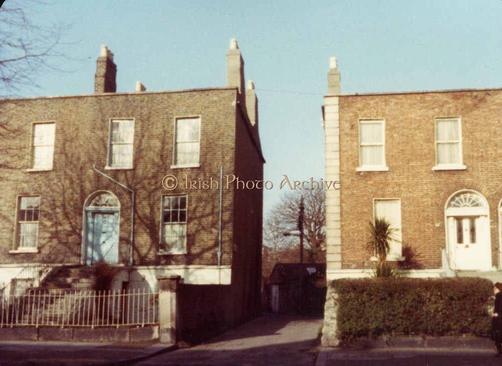 Old Dublin Amature Photos February 1984 with, Mount St, upper, lower, Stephens Lane, Pepper Cannister Church, School, Mount St, Bridge, Percy Lane, Old amateur photos of Dublin streets churches, cars, lanes, roads, shops schools, hospitals