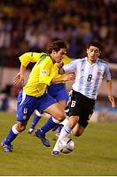 Fotball, 6. juni 2005,  - <br />  - QUALIFYING ROUND -  - ARGENTINA v BRAZIL - 08/06/2005 - KAKA (BRA) / JUAN RIQUELME (ARG)<br /> PHOTO BERTRAND MAHE / DIGITALSPORT<br /> NORWAY ONLY