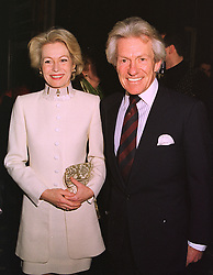 LADY ANNUNCIATA ASQUITH and the EARL OF LICHFIELD, at a reception in London on 20th January 1999.MNI 18