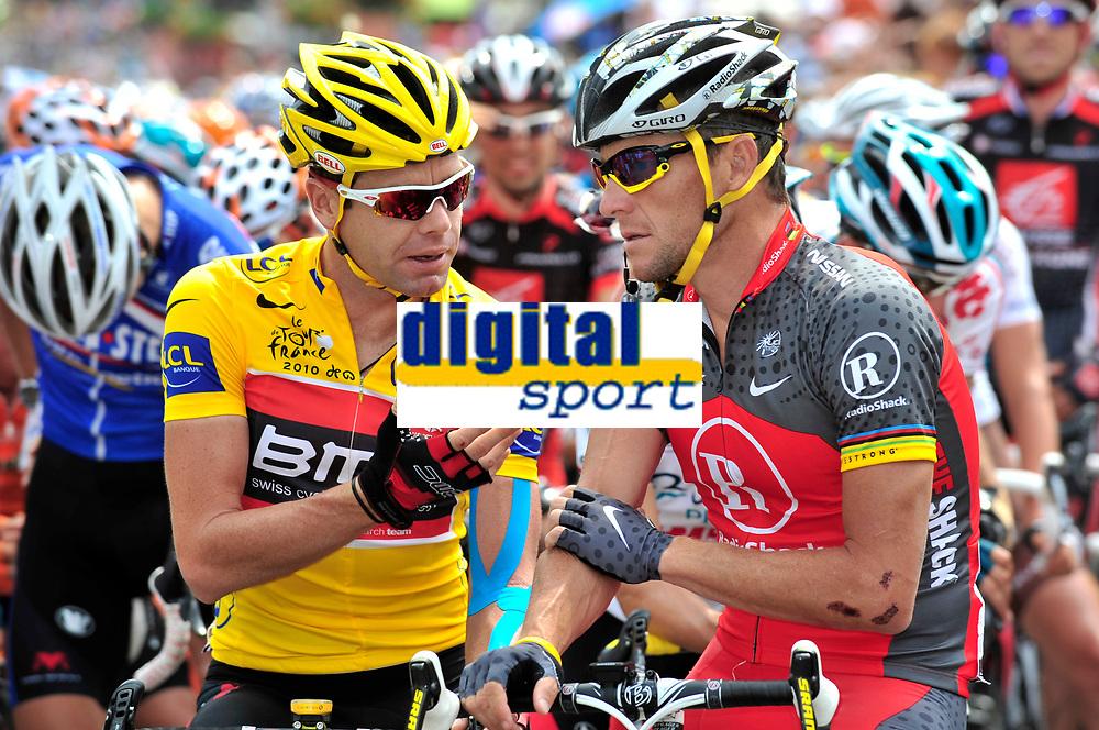 CYCLING - TOUR DE FRANCE 2010 - SAINT JEAN DE MAURIENNE (FRA) - 13/07/2010 - PHOTO : VINCENT CURUTCHET / DPPI - <br /> STAGE 9 - MORZINE AVORIAZ > SAINT-JEAN-DE-MAURIENNE - CADEL EVANS (AUS) / BMC RACING TEAM AND LANCE ARMSTRONG (USA) / TEAM RADIOSHACK