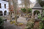Belgische Ardennen vormen een bosrijk laaggebergte in oostelijk België (een groot deel van Wallonië). // Belgian Ardennes is a wooded low mountains in eastern Belgium (a large part of Wallonia).<br /> <br /> Op de foto / On the photo: Source Géronstère Bron<br />  Spa was tot ongeveer 1980 het belangrijkste toeristische centrum van de Ardennen. De geneeskrachtige werking van het ijzer- en koolzuurhoudend water was al in de 16e eeuw bekend. In 1764 werd de eerste badinrichting gebouwd en kreeg de stad bekendheid als kuuroord. /// Spa was until about 1980 the main tourist center of the Ardennes. The medicinal properties of the iron and carbonated water was already known in the 16th century. In 1764 the first bathhouse was built and was known as a spa town.