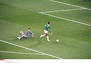 GROUPE A..action du 1er but mexicain *** Local Caption *** lloris (hugo)..hernandez (javier)