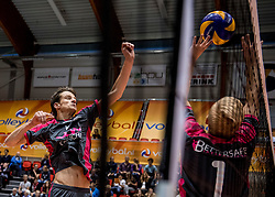 02-10-2016 NED: Supercup Abiant Lycurgus - Coniche Topvolleybal Zwolle, Doetinchem<br /> Lycurgus wint de Supercup door Zwolle met 3-0 te verslaan / Hugo Noomen #10 of Coníche Zwolle