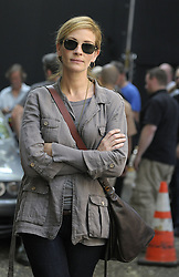 August 3 2009, New York City Actress Julia Roberts on the Lower East Side set of the new movie 'East Pray Love' on August 3 2009 in New York City (Credit Image: Sharkpixs/ZUMAPRESS.com)