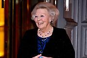 """AMSTERDAM, 27-04-2021, Carre<br /> <br /> Koninklijke familie komt aan bij Carre in verband met de TV opnamen van """"Koningin Maxima een leven vol Muziek"""" /// Royal family arrives at Carré in connection with the TV recordings of """"Queen Maxima a life full of Music"""" <br /> <br /> Op de foto:  prinses Beatrix  Foto: Patrick van Emst/Brunopress"""