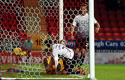 Gwion Edwards of Peterborough United scores the opening goal of the game - Mandatory by-line: Joe Dent/JMP - 28/11/2017 - FOOTBALL - The Valley - Charlton, London, England - Charlton Athletic v Peterborough United - Sky Bet League One
