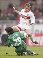 Bundesliga, 14. februar 2004,v.l. Thomas Broich, Horst Heldt VFB<br /> Bundesliga VfB Stuttgart - Borussia Mönchengladbach