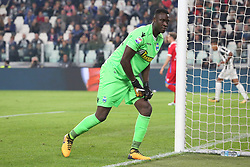October 25, 2017 - Turin, Italy - Alfred Gomis (SPAL 2013) during the Serie A football match between Juventus FC and S.P.A.L. 2013 on 25 October 2017 at Allianz Stadium in Turin, Italy. (Credit Image: © Massimiliano Ferraro/NurPhoto via ZUMA Press)