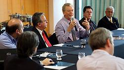 O candidato à reeleição pelo PDT em Porto Alegre, José Fortunati, durante eeunião/almoço com a diretoria do SETCERGS e Porto Seco. FOTO: Jefferson Bernardes/Preview.com