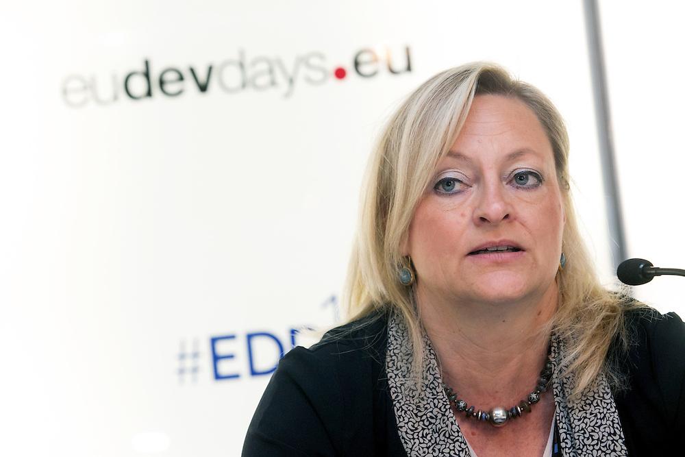 04 June 2015 - Belgium - Brussels - European Development Days - EDD - Financing - Unlocking private and public finance for sustainable growth - Heike Ruettgers , Head of Mandates Management , European Investment Bank (EIB) © European Union