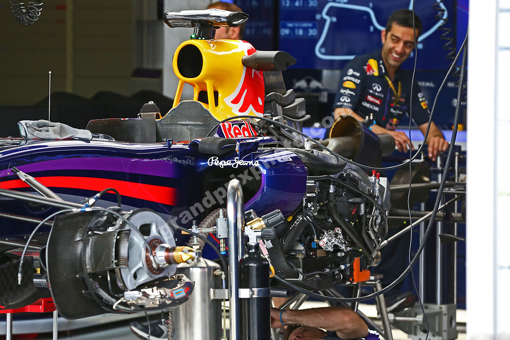 Red Bull-Renault engine change in the pits before the 2014 British Grand Prix in Silverstone. Photo: Grand Prix Photo