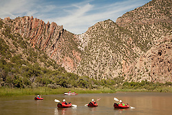 North America, United States, Utah, Dinosaur National Monument, Green River, raft and kayaks