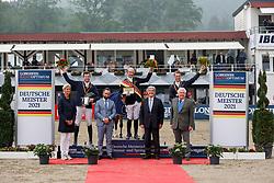 BALVE - Longines Balve Optimum 2021<br /> <br /> WEISHAUPT Maximilian (GER), MEYER Tobias (GER), STUEHLMEYER Patrick (GER)<br /> Meisterehrung Deutsche Meisterschaft Springreiten<br /> LONGINES OPTIMUM PREIS<br /> Deutsche Meisterschaft Finalwertung Springreiten<br /> Springprüfung Kl. S**** mit 2 Umläufen<br /> <br /> Balve, Reitstadion Schloss Wocklum<br /> 05. June 2021<br /> © www.sportfotos-lafrentz.de/Stefan Lafrentz