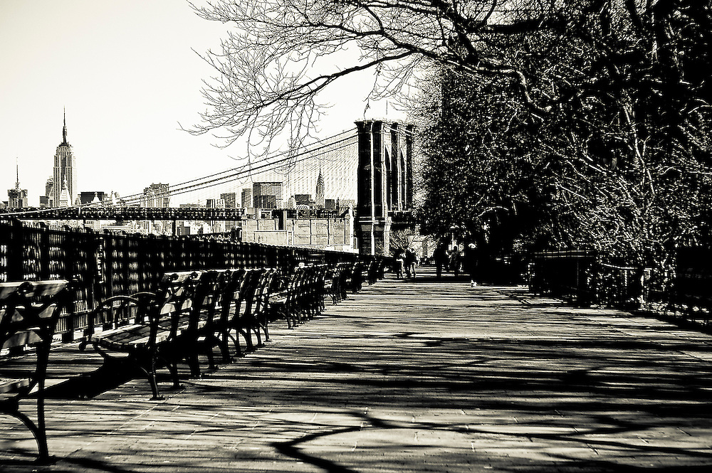 The Brooklyn Heights Promenade in Brooklyn, with the Brooklyn Bridge and the Empire State Building in the background, New York, 2008.