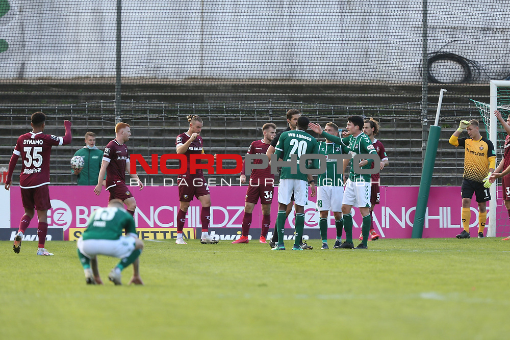 17.10.2020, Dietmar-Scholze-Stadion an der Lohmuehle, Luebeck, GER, 3. Liga, VfB Luebeck vs SG Dynamo Dresden <br /> <br /> im Bild / picture shows <br /> Schlusspfiff der VfB Lübeck/Luebeck verliert 0:1 gegen SG Dynamo Dresden<br /> <br /> DFB REGULATIONS PROHIBIT ANY USE OF PHOTOGRAPHS AS IMAGE SEQUENCES AND/OR QUASI-VIDEO.<br /> <br /> Foto © nordphoto / Tauchnitz