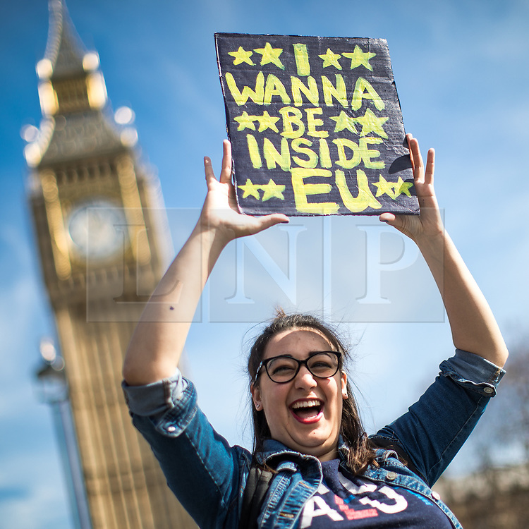© Licensed to London News Pictures . 25/03/2017 . London , UK . A Unite for Europe anti Brexit march through central London , from Park Lane to Westminster . Protesters are campaigning ahead of the British government triggering Article 50 of the Lisbon Treaty which will initiate Britain's withdrawal from the European Union . Photo credit : Joel Goodman/LNP