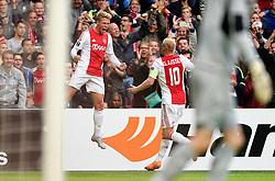 17-09-2015 NED: UEFA Europa League AFC Ajax - Celtic FC, Amsterdam<br /> Viktor Fischer #7 scoort de gelijkmaker 1-1 en viert dit met Davy Klaassen #10