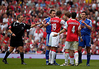 Photo: Ed Godden/Sportsbeat Images.<br /> Arsenal v Chelsea. The Barclays Premiership. 06/05/2007.<br /> Tempers flair between both sets of players.