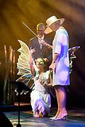 Koningin Maxima bezoekt het CHV Noordkade en opent het nieuwe Theater De Blauwe Kei op het industrieel erfgoedcomplex CHV Noordkade in Veghel<br /> <br /> Queen Maxima visits the CHV Noordkade and opens the new Theater De Blauwe Kei at the industrial heritage complex CHV Noordkade in Veghel