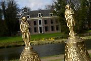 Prinses Beatrix opent Museum Oud Amelisweerd. Het museum toont het brede oeuvre van veelzijdig kunstenaar Armando.<br /> <br /> Princess Beatrix opens Museum Old Amelisweerd. The museum shows the broad work of versatile artist Armando.<br /> <br /> Op de foto / On the photo: <br />  Museum Oud Amelisweerd / Museum Old Amelisweerd