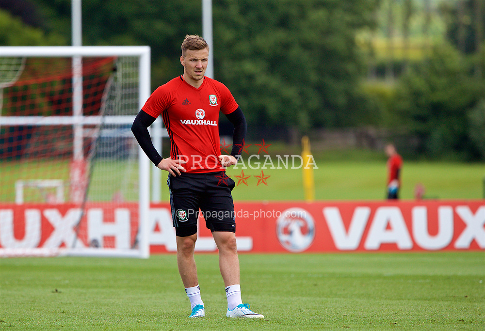 CARDIFF, WALES - Wednesday, June 7, 2017: Wales' Lee Evans during a training session at the Vale Resort ahead of the 2018 FIFA World Cup Qualifying Group D match against Serbia. (Pic by David Rawcliffe/Propaganda)