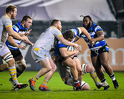 Tom West and James Gaskell of Wasps attempt a tackle on Will Stuart of Bath Rugby - Mandatory by-line: Andy Watts/JMP - 08/01/2021 - RUGBY - Recreation Ground - Bath, England - Bath Rugby v Wasps - Gallagher Premiership Rugby