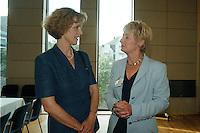 """25.06.1998, Germany/Bonn:<br /> Bärbel Dieckmann, SPD, Oberbürgermeisterin Bonn, und Chrstine Bergmann, SPD, 2. Bürgermeisterin Berlin, SPD Veranstaltung """"Neue Politik - Neue Chancen für die Städte"""", Beethovenhalle<br /> IMAGE: 19980625-02/01-02<br />  <br />  <br />  <br /> KEYWORDS: Baerbel Dieckmann"""