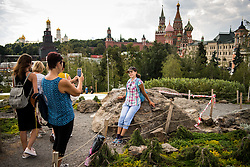 July 13, 2018 - Moscow, Russia - 180713 People take pictures with the Saint Basil's Cathedral in the background during the FIFA World Cup on July 13, 2018 in Moscow..Photo: Petter Arvidson / BILDBYRN / kod PA / 92086 (Credit Image: © Petter Arvidson/Bildbyran via ZUMA Press)