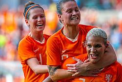 01-06-2019 NED: Netherlands - Australia, Eindhoven<br /> <br /> Friendly match in Philips stadion Eindhoven. Netherlands win 3-0 / Shanice van de Sanden #7 of The Netherlands score 3-0, Sherida Spitse #16 of The Netherlands, Merel van Dongen #4 of The Netherlands