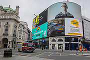 Support and thanks for Local Heroes, key workers, the NHS - as well as advice to stay home and to consider mental health issues. Messages are broadcast on the giant screens of a relatively quiet Piccadilly Circus. The 'lockdown' continues for the Coronavirus (Covid 19) outbreak in London.