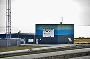 Nederland, Afsluitdijk, 22-2-2018De Blue Energy proefinstallatie op de Afsluitdijk. De installatie is de eerste waarbij de winning van energie uit zoet en zout water in de praktijk wordt getest. Met BlueEnergy wordt elektriciteit gewonnen uit het verschil in zoutconcentratie tussen zout en zoet water. Door het zoute en zoete water langs membranen te voeren ontstaat een spanningsverschil dat wordt omgezet in electriciteit. Blue Energy is een duurzame technologie waarmee 24 uur per dag CO2 vrij energie kan worden opgewekt.Foto: Flip Franssen