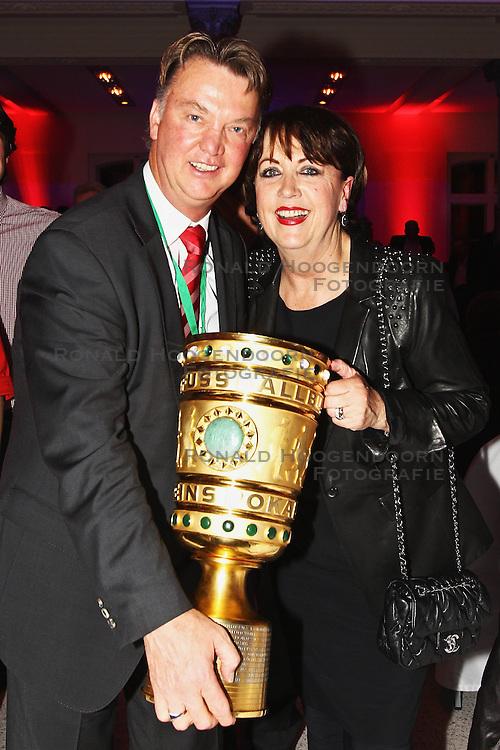 15-05-2010 VOETBAL: CHAMPIONSPARTY BAYERN MUNCHEN: BERLIN<br /> Louis en Truus van Gaal<br /> ©2010- FRH nph /  PO