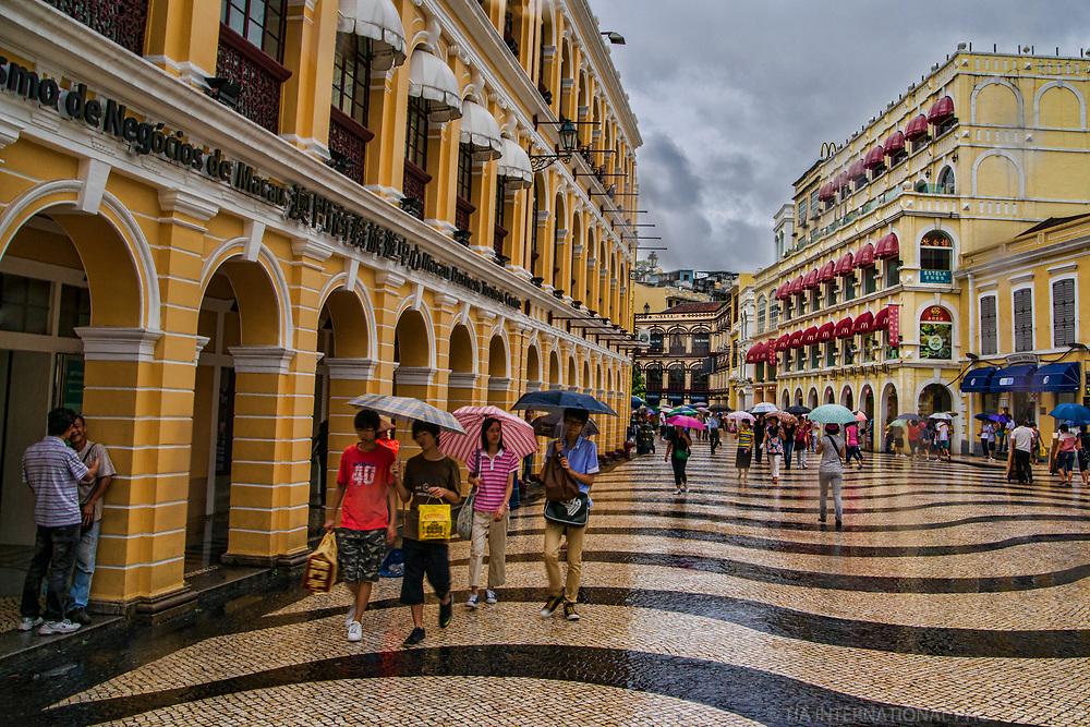 Macau Government Tourist Office (left), Senado Square