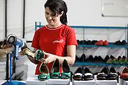 Bom Despacho_MG, Brasil...Industria de calcados da cidade de Bom Despacho, Minas Gerais. Na foto, producao de sapatos...The footwear industry in Bom Despacho, Minas Gerais. In this photo, the shoes production...Foto: BRUNO MAGALHAES / NITRO