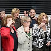 NLD/Hilversum/20080327 - Start ledenwerf actie omroep Max, voorzitter Jan Slagter, Martine van Os, Loretta Schrijver, de twee 'Dekselse Dames' Lenie en Doortje, Edwin Rutten, Olga Commandeur en Duco Bauwens