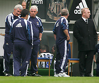 Photo. Andrew Unwin, Digitalsport<br /> Newcastle United v Aston Villa, Barclays Premiership, St James' Park, Newcastle upon Tyne 02/04/2005.<br /> Newcastle's Lee Bowyer (C) heads down the tunnel after being sent off for fighting with Kieron Dyer.
