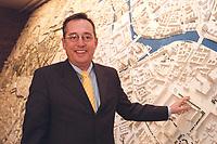 15 JAN 2001, BERLIN/GERMANY:<br /> Peter Strieder, SPD, Bausenator Berlin, vor einem Modell der Berliner Mitte, Neujahrsempfang der Berliner Baubehoerde<br /> IMAGE: 20010115-02/01-08