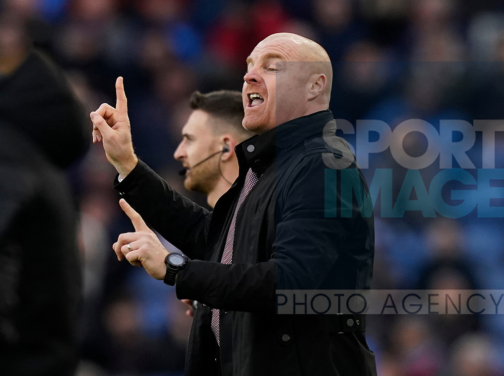 Sean Dyche manager of Burnley issues instructions to his players during the Premier League match at Turf Moor, Burnley. Picture date: 2nd February 2020. Picture credit should read: Andrew Yates/Sportimage