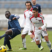 Gaziantepspor's Ismael SOSA (R) during their Turkish superleague soccer match Kasimpasaspor between Gaziantepspor at the Recep Tayyip Erdogan stadium in Istanbul Turkey on Sunday 23 January 2011. Photo by TURKPIX