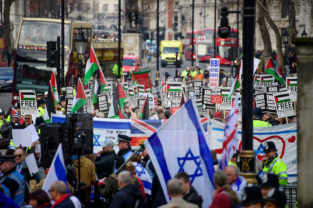 © Licensed to London News Pictures. 06/02/2017. London, UK.Pro Israel and Pro Palestinian demonstrations opposite Downing Street on Whitehall at the time of a meeting between Israeli Prime Minister Benjamin Netanyahu and British Prime Minister Theresa May in Downing Street. Photo credit: Ben Cawthra/LNP