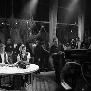 NLD/Bussum/19890117 - Jubileum uitzending Countdown, presentator Wessel van Diepen en Simone Walraven voor de camera