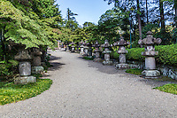 The origin of Noninji Temple traces back to the  Muromachi period when the feudal warlord, Iekatsu Nakayama invited the well-known monk Montatsu Fuoku, to build a small hut.  The site  became a temple for the son of Iekatsu Ienori to mourn the death of his father.  Terumori entered the service of Shogun Ieyasu Tokugawa, and with Tokugawa support, the temple developed into a thriving monastery.