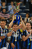 """Celebration Esultanza<br /> JAvier Zanetti<br /> Roma 29/5/2011 Stadio """"Olimpico""""<br /> Tim Cup Finale - Italy Cup Final<br /> Football Calcio Inter Vs Palermo<br /> Foto Andrea Staccioli Insidefoto"""